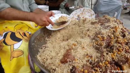 印度街头美食,2元一碗,你敢吃吗?