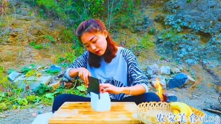 豆腐做法千万种,农村妹子这样做,给你带来不一样的美食体验
