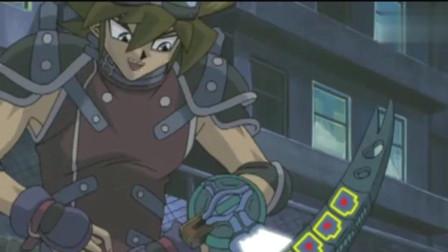 游戏王:承受过太阳神精神冲击的城之内,怎么可能在一件武器的轰击中倒下男人疯狂进入女人视频