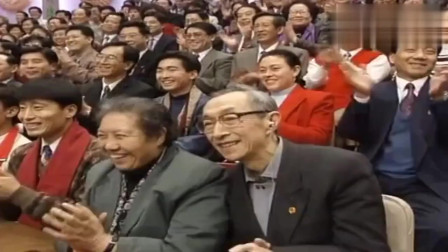 经典小品:黄宏和杨蕾一起搭档表演,看着真的是太搞笑了!