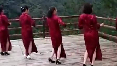 广场舞一晃就老了精选团队旗袍版,给你不一样的感觉