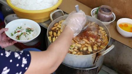 越南美食:路边小吃,越南早餐,螃蟹汤