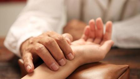 为什么中医在手腕上把一会脉就知道得了什么病?