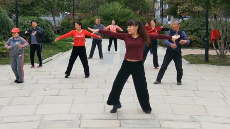健身广场舞《舞动人生》欢快动感,好听又好看!
