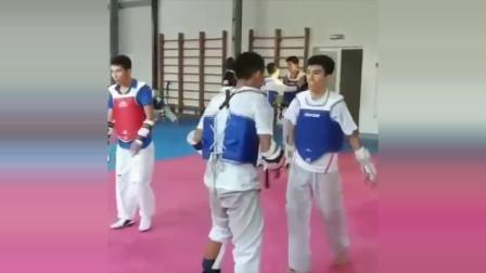 跆拳道竞技训练,近身找点