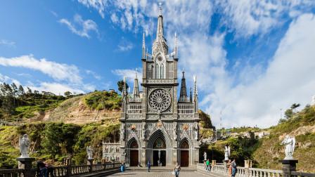 全球唯一建在峡谷中的教堂,已有100年历史,吸引众多游客!