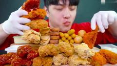 深夜福利:韩国大嘴小哥哥的炸鸡吃播,大口吃肉不怕胖