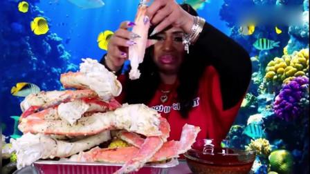吃货阿姨直播吃海鲜,看到这一大盘帝王蟹,我口水都快流出来了