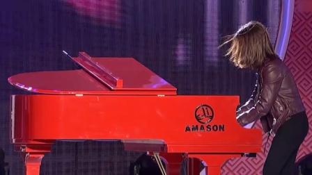 钢琴演奏《魂斗罗》,前奏一响起,瞬间穿越回童年时光!