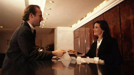 为什么酒店都会在床尾铺一块布?前台美女说出
