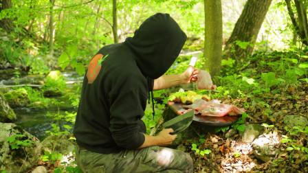 丛林美食,菜刀叔炖4只肥美兔腿,说实话我流口水了!