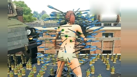 """刺激战场:小伙准备1000个烟雾弹钓鱼,对方不同意组队,瞬间被扎成""""刺猬"""""""