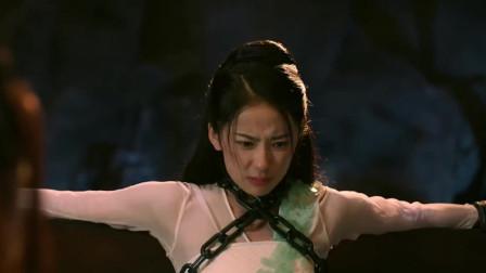 美女囚禁被刑�,先是��O,再是痛�O!�@刑�手段真��害
