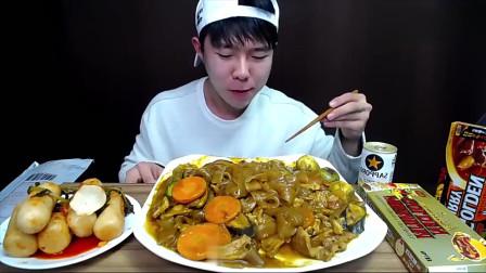 吃播:韩国吃货小哥哥,吃炖宽粉泡菜,辣萝卜啃起来脆爽极了