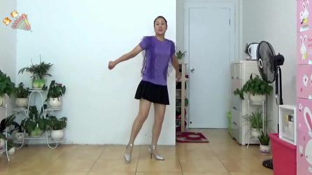 点击观看《中老年人健身舞16步视频 活力广场舞》