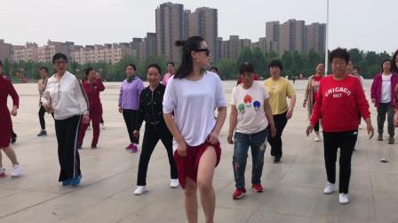 鬼步舞教学基础舞步 青青广场手把手教你跳曳步舞