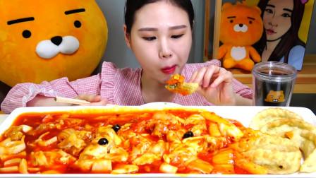 韩国大胃王卡妹,吃叫不出来名的美食,看她吃我都饿了