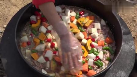 《韩国农村美食》韩国大妈中午做铁锅炖牛腩,一家人都很喜欢,太香了