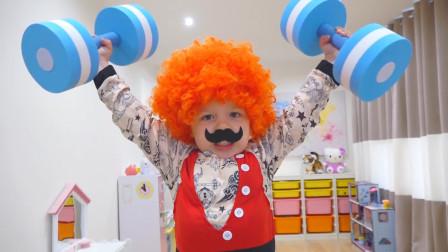 萌娃小可爱们在家里举办了一场有趣的选秀比赛,小家伙们真是萌萌哒!