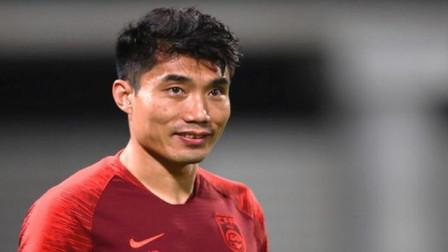 里皮重掌帅印,39岁郑智或将继续奋战第一线,足协可能早有安排