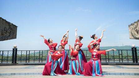 中国舞《秋风叹》,见过千万人,却唯独思念那一个故人!