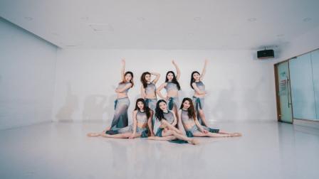 点击观看《东方舞古典风格双扇舞视频》