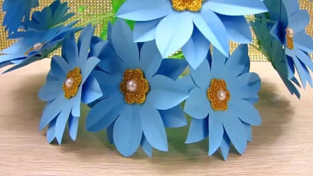 当塑料瓶遇到彩纸,秒变简单而又不失漂亮的花艺装饰