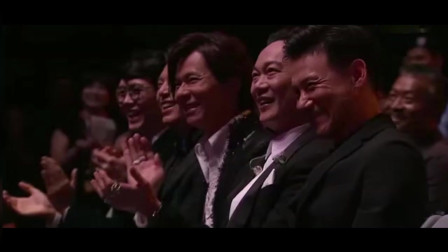 天!庾澄庆太大胆,当着歌神的面唱张学友的歌,张学友在台下笑了