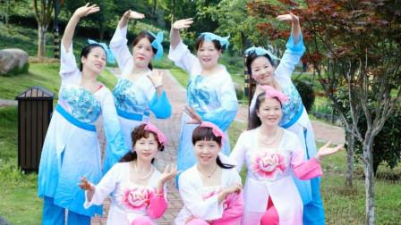 点击观看中老年人适合舞蹈放生之歌 湘竹广场舞教程分解视频