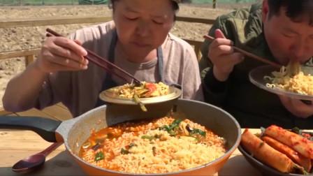 《韩国农村美食》泡菜腌萝卜儿子吃的超香,爸爸去哪了