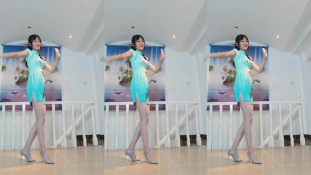 点击观看《小君日常健身舞轻歌曼舞 0基础好学舞蹈类型》