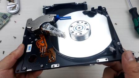 硬核拆解:2.4公斤重的机械硬盘
