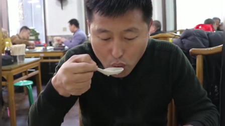 东北美食推荐,10元一大碗,好吃又实惠,良心价