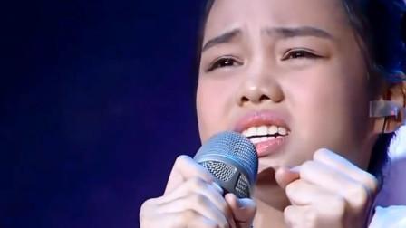 """韩红为""""孩子""""创作的歌,感动台下观众,汤晶锦更是唱到观众心里"""