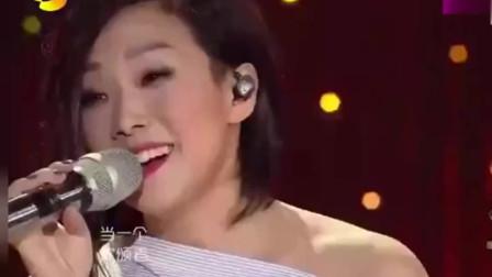 林忆莲现场献唱《小情歌》,不愧是天后,绝对值得一听!