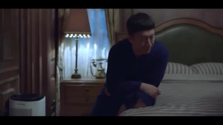 """带着爸爸去留学:黄成栋与老婆国外相聚,为制造浪漫""""偷""""花献佛博老婆开心"""