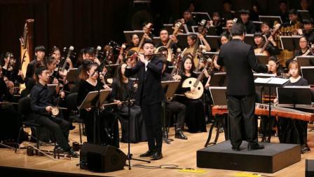 外国人来中国,体验古典乐器凑乐是什么样?二胡一出全场镇定