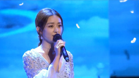 不是歌手的趙麗穎,卻把這首歌唱到極致,唱功不輸專業歌手