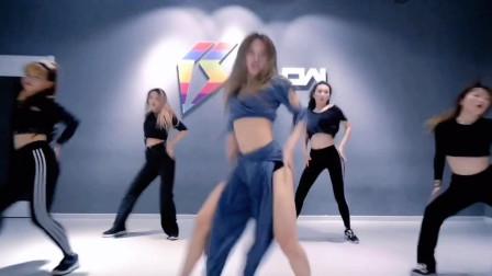 爵士舞美女视频 爱跳舞的女生TIkTOK舞蹈视频