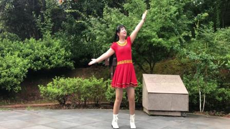 点击观看《0基础好学广场舞啥最牛 最新休闲舞蹈视频》