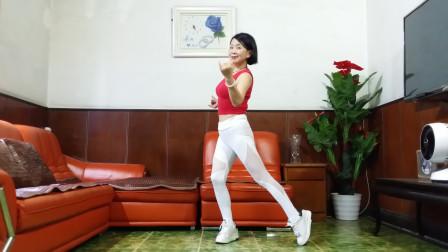 点击观看《32步广场舞简单好学 静儿学跳红尘相伴》