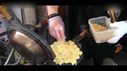 香港街头美食鸡蛋仔,是机器制作的,闻着很香