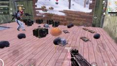 刺激战场:这到底是一个bug还是一个彩蛋?一颗苹果卡出无限装备