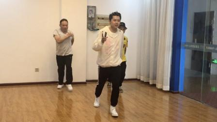 广场鬼步舞教学 黄港11步曳步舞教程分解