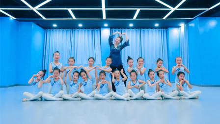 点击观看《少儿舞蹈 不能小看这群孩子的舞蹈了》