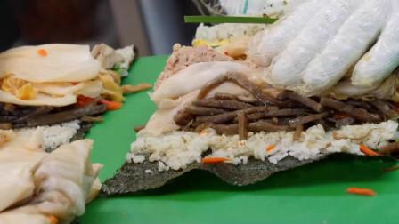 韩国美食:金枪鱼紫菜包饭,份量足样式多,就泡菜加太多了