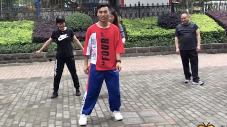 点击观看《适合新手学习广场鬼步舞基础教学 8步弹跳动作一分钟掌握》
