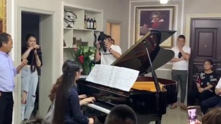 老版《西游记》的片头曲,被钢琴演奏出来,原来也这么好听?