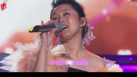 杨钰莹杨钰莹至今最肉麻的歌,嗓音酥到骨子里,这声音台下男明星都看呆了