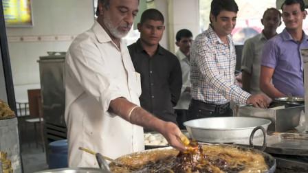 印度人偷学中国油条,中国吃货看到后,直言:好好的食物让你给玩坏了